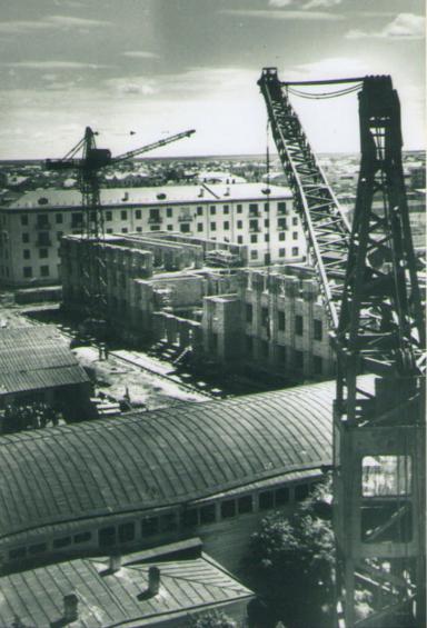 Центр города строится